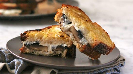 Cheesy Roasted Mushroom Melts