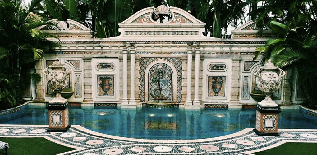 21 things you must do when visiting miami travel purewow for Versace mansion miami tour