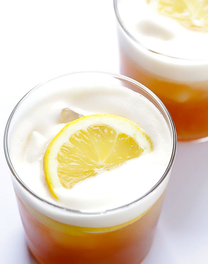 cocktails whiskeysour