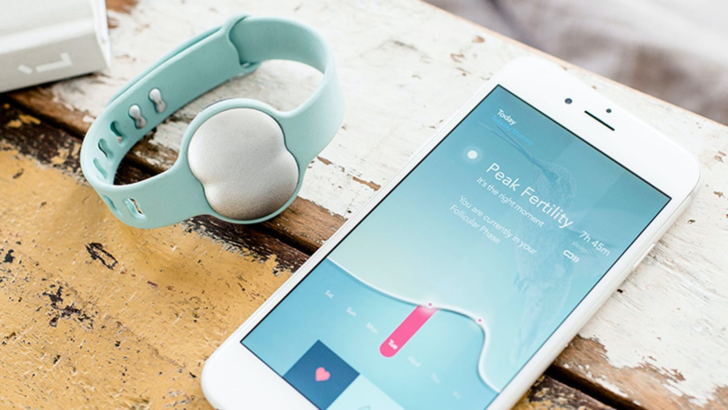 This FitBit for Fertility Helps Increase Your Chances of Conceiving