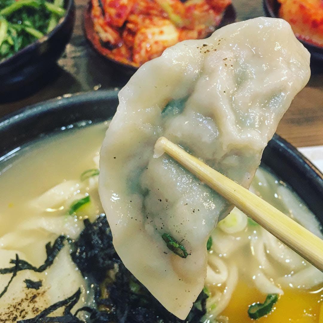 Hangari Bajirak Kalgooksoo los angeles best dumplings