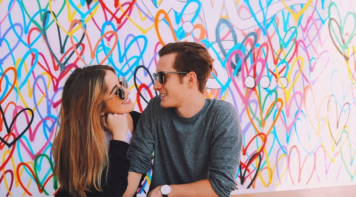 7 Things You Should Never Post on Your Online Dating Profile