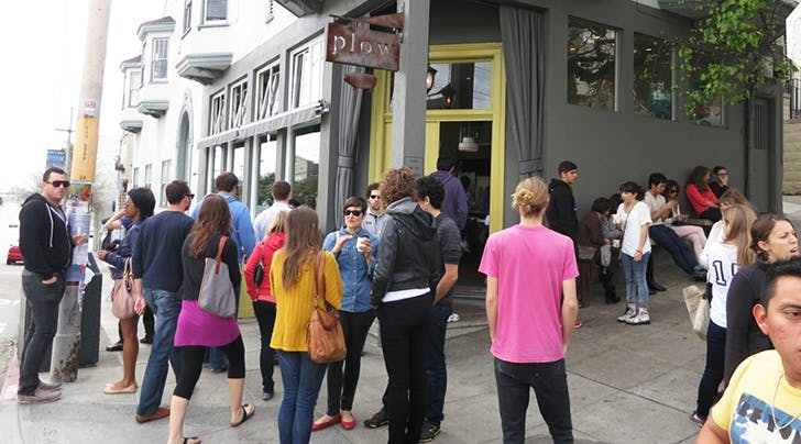 The Secret to Knowing If a Restaurant Is Crowded Before You Get There