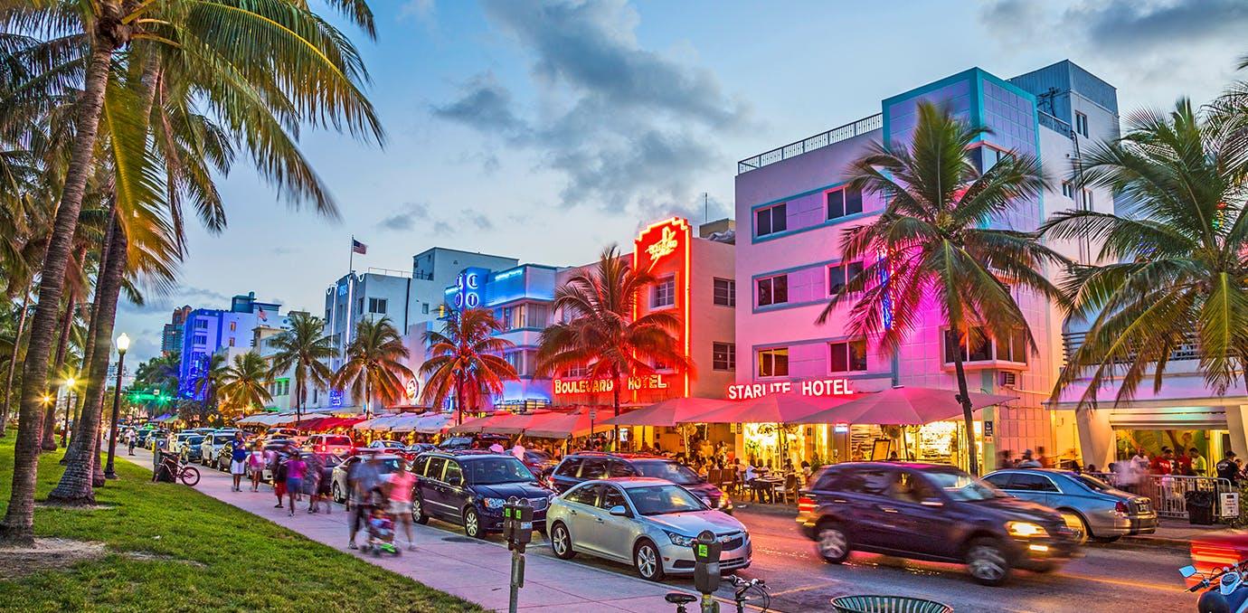 ocean drive miami beautiful streets WIDE