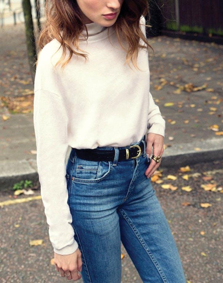 5 Tips Fashion Kekinian dengan Outfit Jadul yang Cocok dan Simple Buat Traveling
