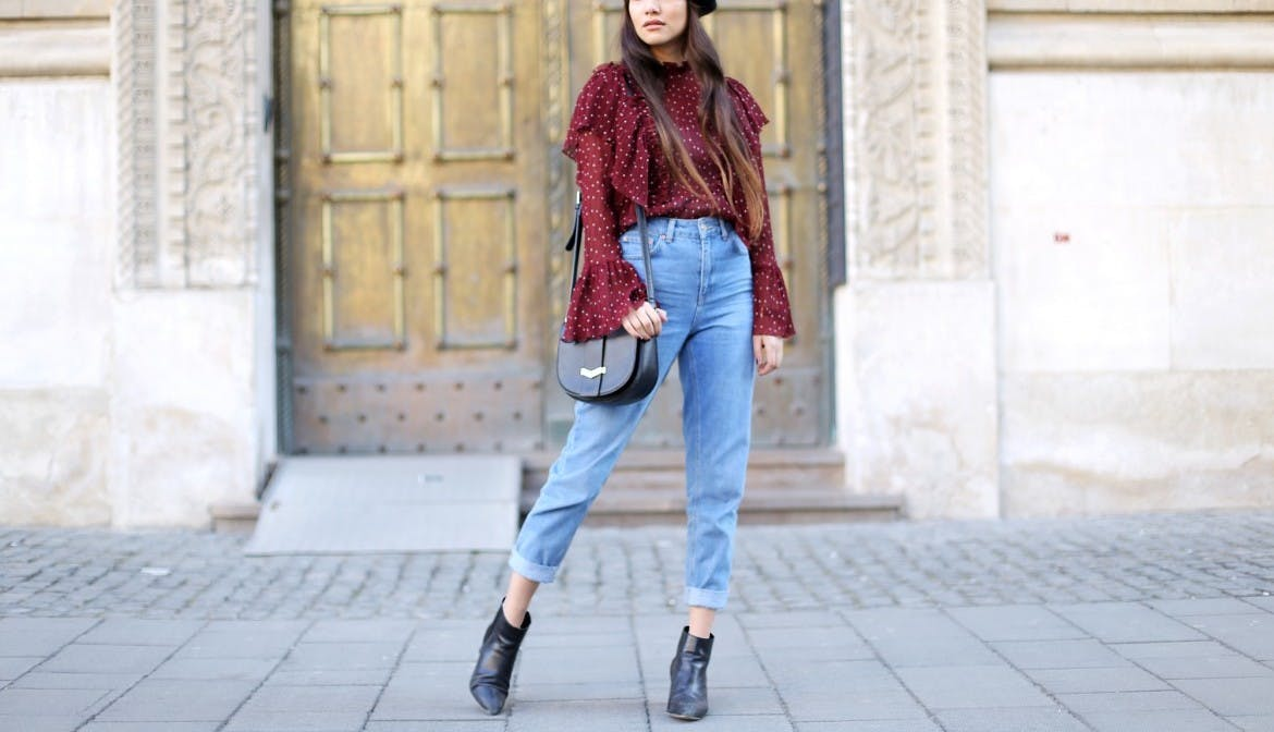 Anoushka Probyn mom jeans how to style