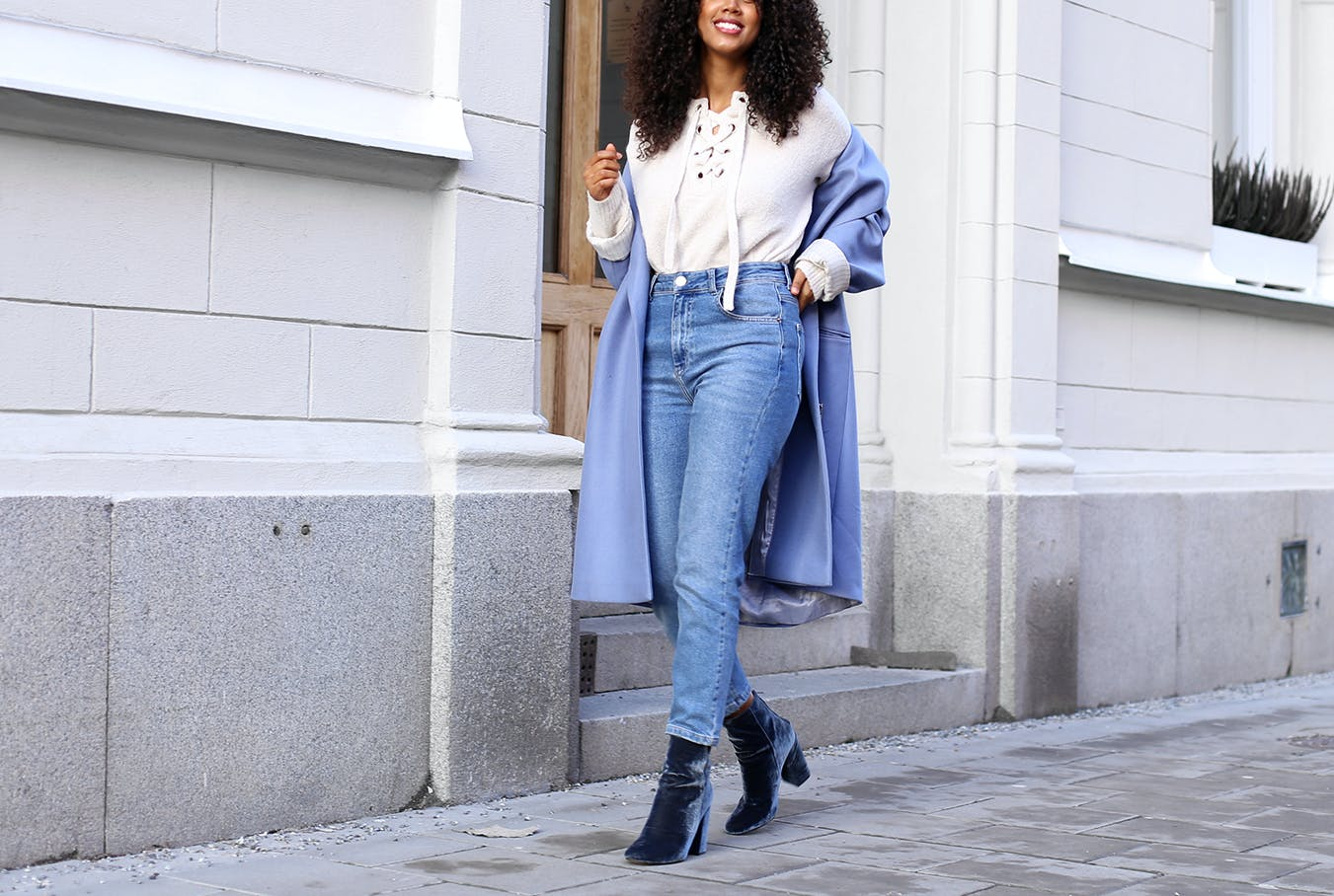 Salem Indrias mom jeans how to style