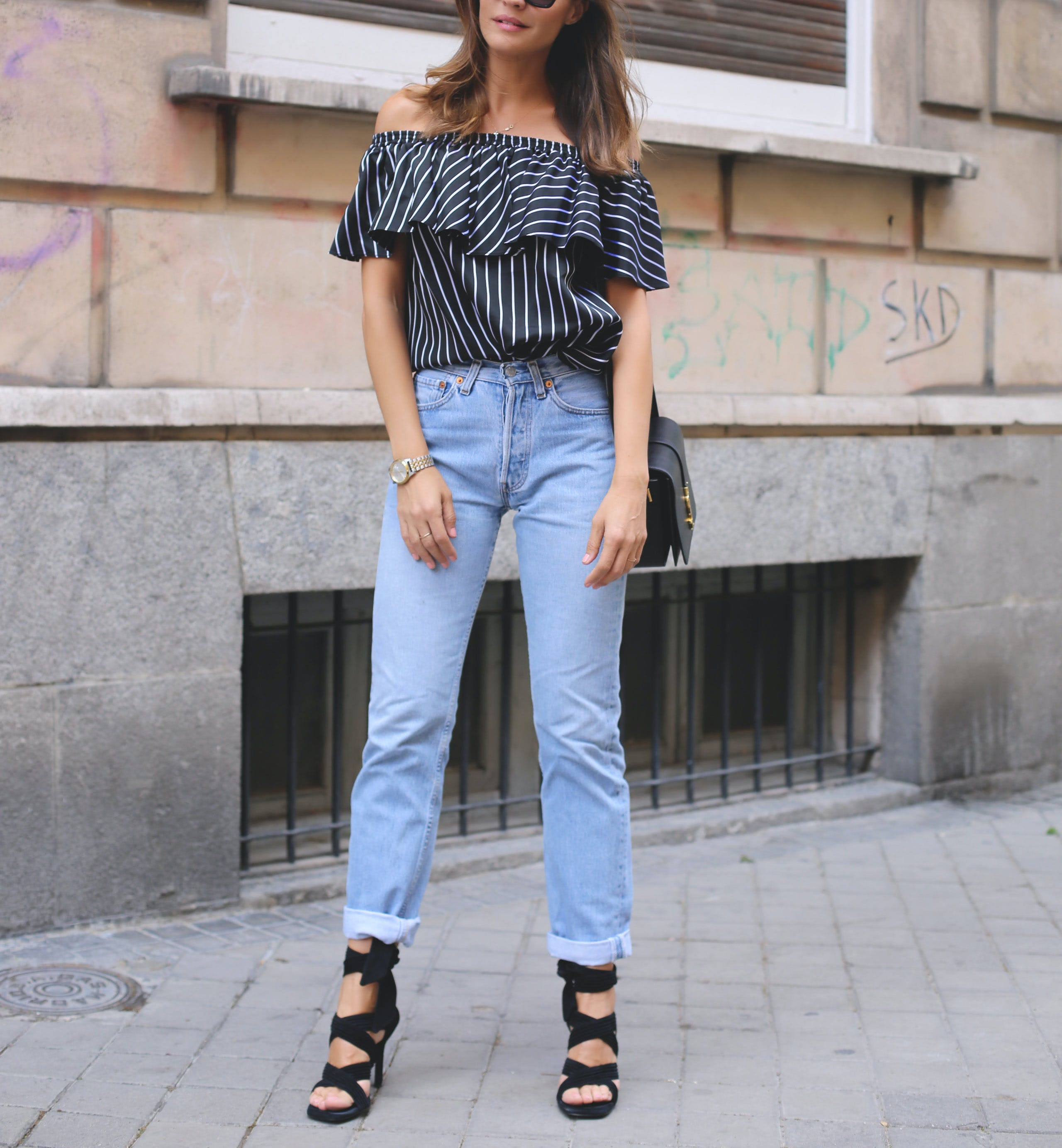 lady addict mom jeans how to style